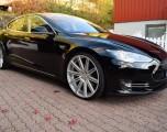Tesla Model S [..]
